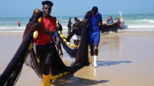 Retour de pêche à Cayar