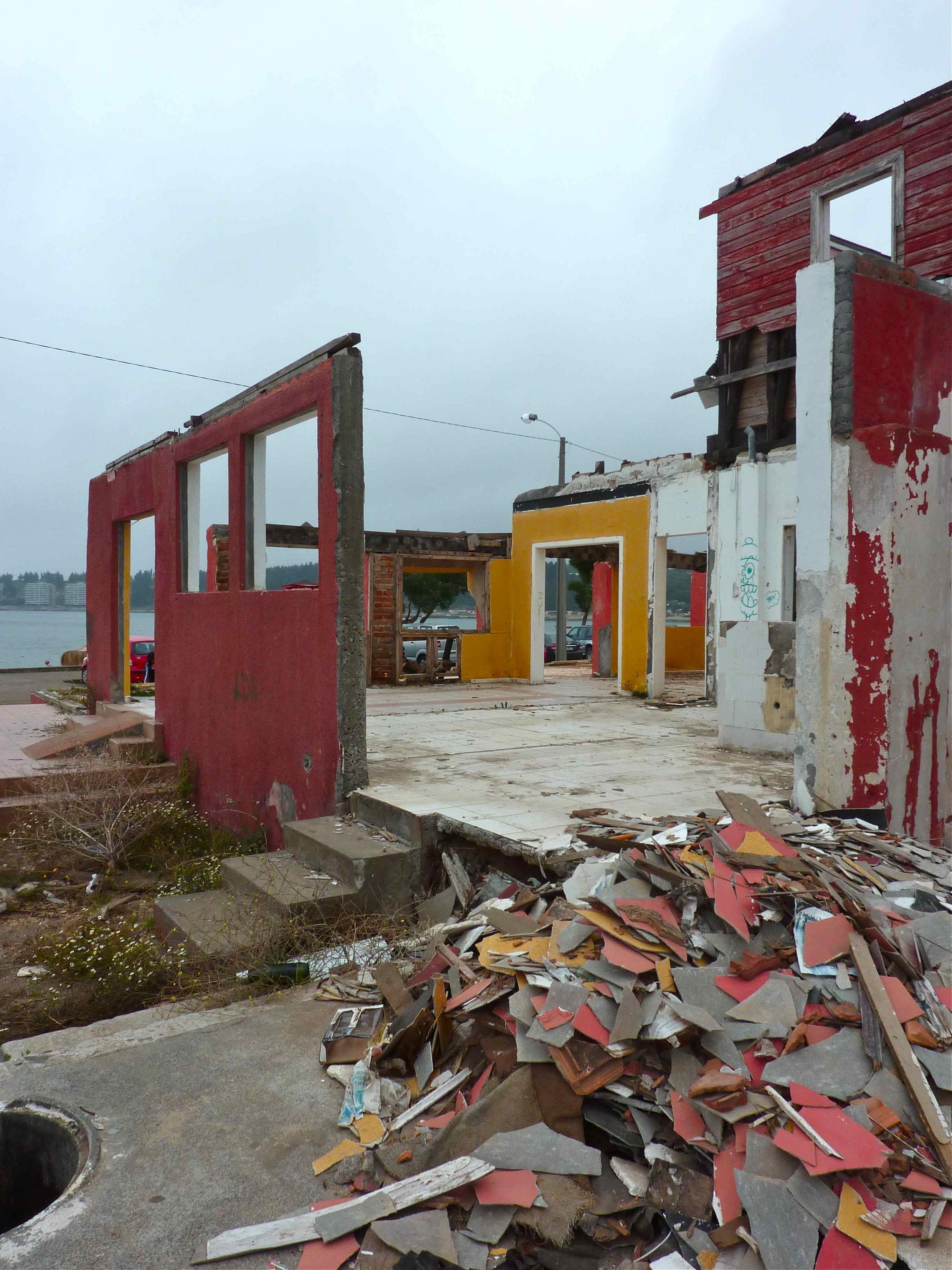 Dichato : Estação balneária situada a 44 km ao norte de Concepcion, sofreu danos durante um dos terremotos mais devastadores do país que aconteceu em 27 de fevereiro de 2010.