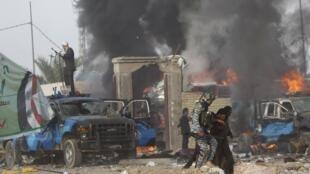 انفجار خودروی بمبگذاری شده در نزدیکی یک نشست انتخاباتی یک گروه شبه نظامی شیعی عراق. ٢۵آوریل ٢٠١٤