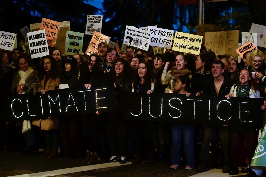 馬德里大街上遊行呼籲保護環境
