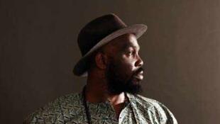L'artiste nigérian Kuku.