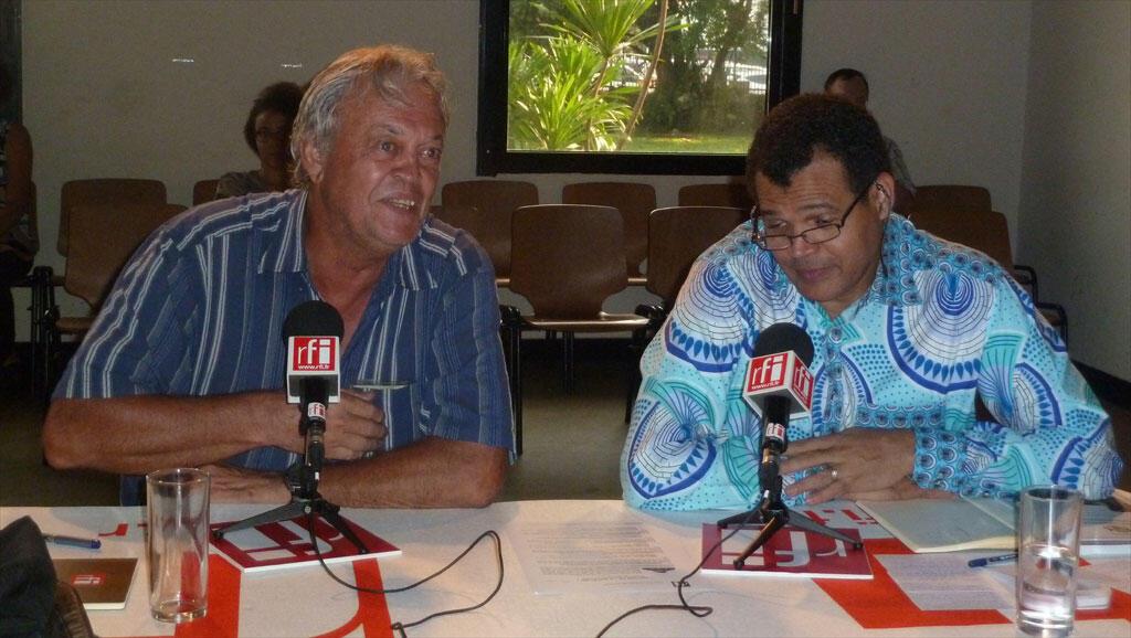 Richard Oslilsy et Etienne Massard, à l'Institut français de Libreville.