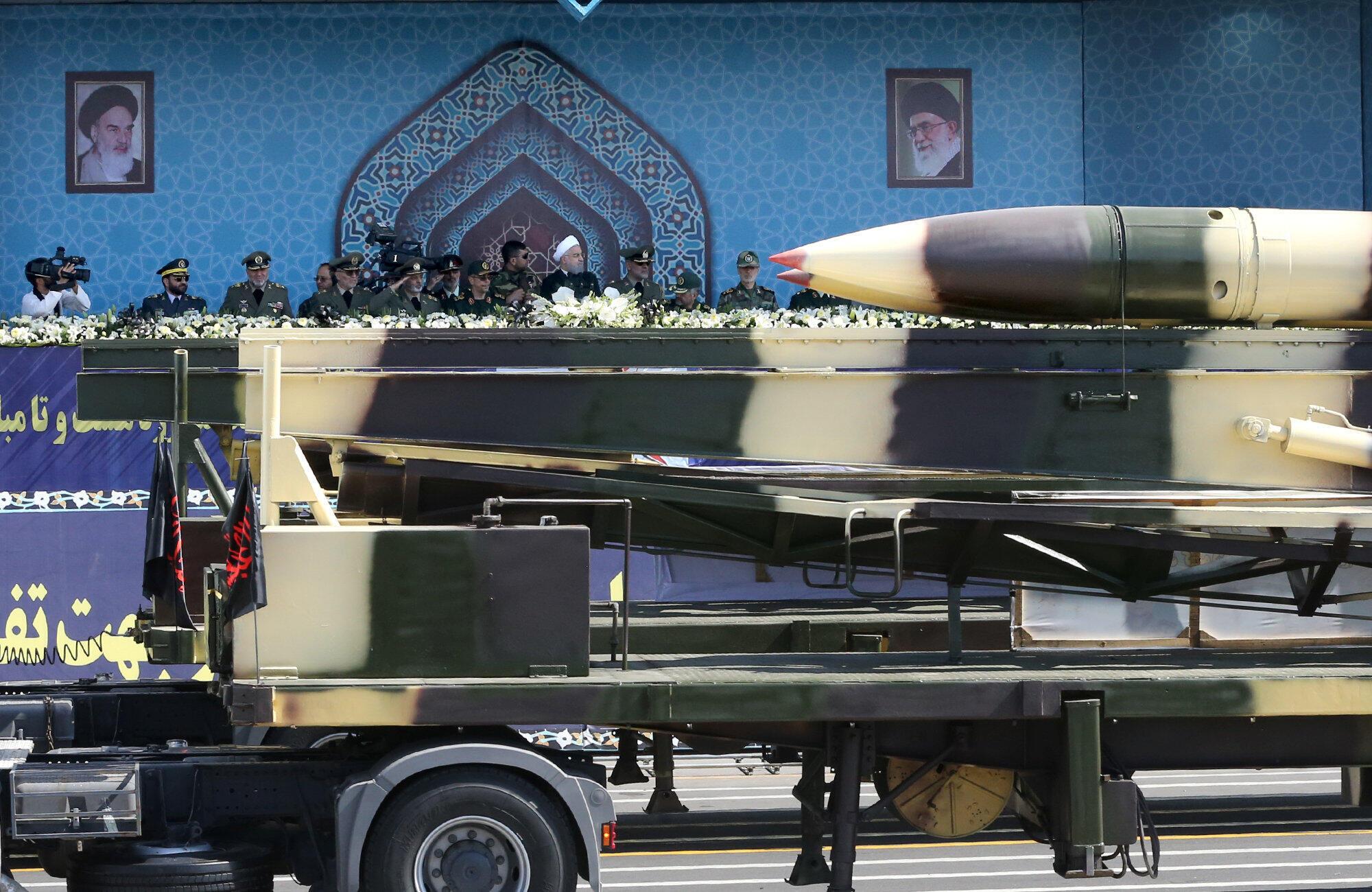 Tên lửa Iran trong cuộc diễu binh ngày 22/09/2017, tại Teheran