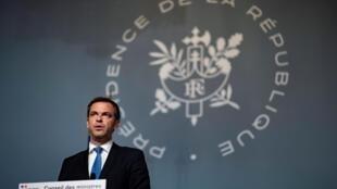 法國衛生部長維蘭表示周六之前宣布新的限制措施