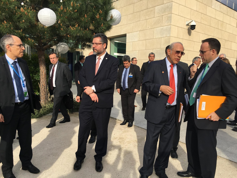 O ministro da Relações Exteriores do Brasil, Ernesto Araújo, ao chegar à sede da OCDE em Paris, nesta quarta-feira 22 de maio de 2019.