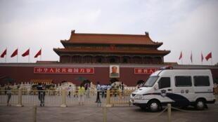 Площадь Тяньаньмэнь в Пекине, 4 июня 2014.