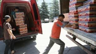 Un camion d'aide humanitaire au départ de Bichkek pour la ville d'Och.