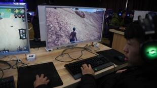 Les jeunes Chinois ne pourront désormais pas jouer plus de 90 minutes par jour aux jeux video en ligne.