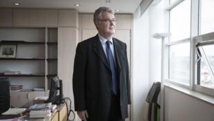 法国负责积分退休体制改革的高级专员让-保罗·德勒瓦(Jean-Paul Delevoye)成为媒体热点人物