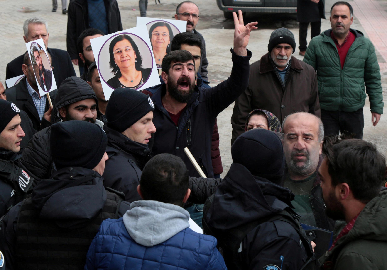 Une manifestation de soutien à Leyla Güven, le 12 janvier 2019, à Diyarbakir (Turquie).