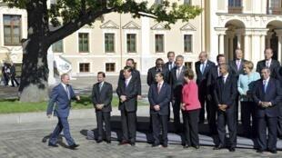 Presidente russo, Vladimir Putin, chega para a foto de família com os outros líderes, marcando o encerramento do G20.