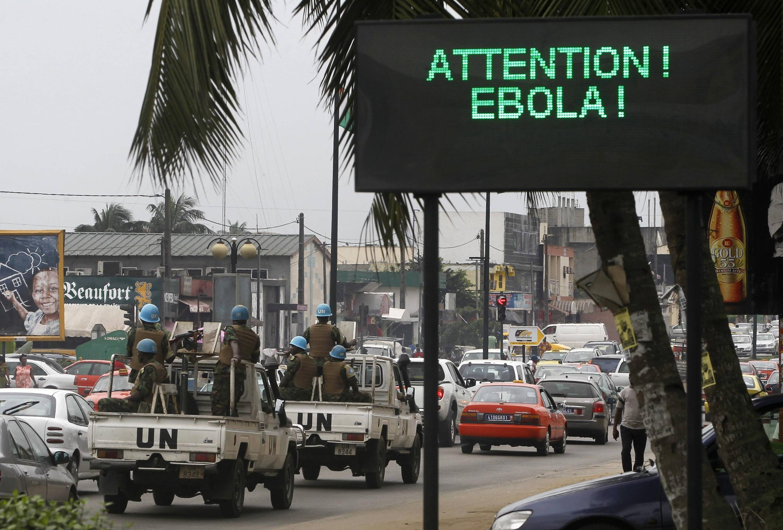 L'épidémie Ebola fait fuir les clients des marchés et affecte le commerce local.