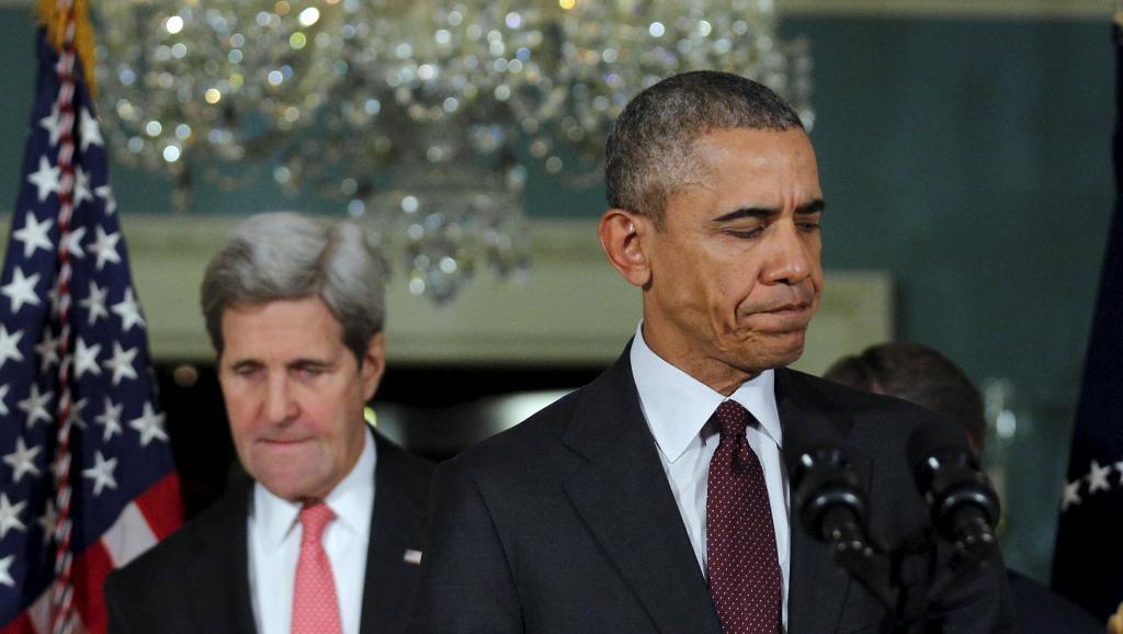 Rais wa Marekani Barack Obama na Waziri wake wa Mambo ya Nje John Kerry, wakati wa hotuba, Alhamisi, Februari 25, baada ya kukutana na Baraza la Usalama la UN.