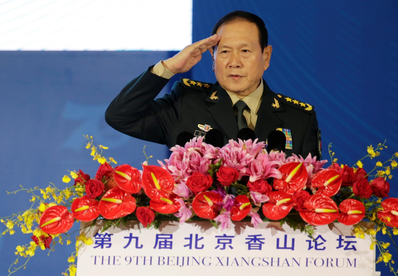 Bộ trưởng Quốc Phòng Trung Quốc Ngụy Phượng Hòa trước khi phát biểu trên Diễn đàn Hương Sơn, bắc Kinh, ngày 21/10/2019.