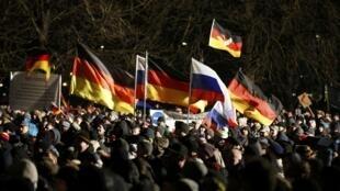 Biểu tình bài Hồi giáo tại Dresden, Đức, ngày 05/01/2015 theo lời kêu gọi của tổ chức  Pegida.