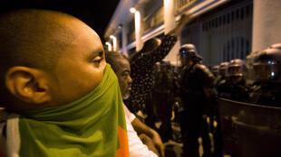 В Гвиане начались столкновения с полицией в день приезда Эмманюэль Макрона
