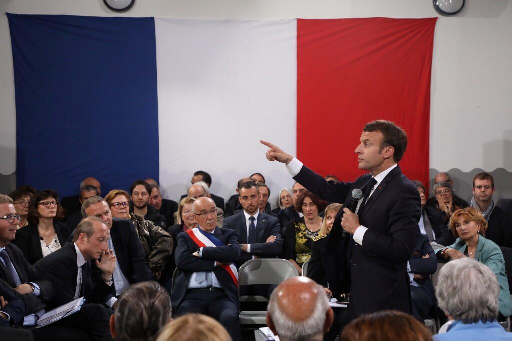 Emmanuel Macron, ce jeudi 4 avril 2019, à Cozzano (Corse-du-sud) pour le dernier grand débat national.