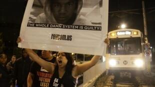 Manifestation de protestation à Los Angeles le 13 juillet 2013, après l'acquittement de George Zimmerman pour le meurtre du jeune Noir de 17 ans, Trayvon Martin.