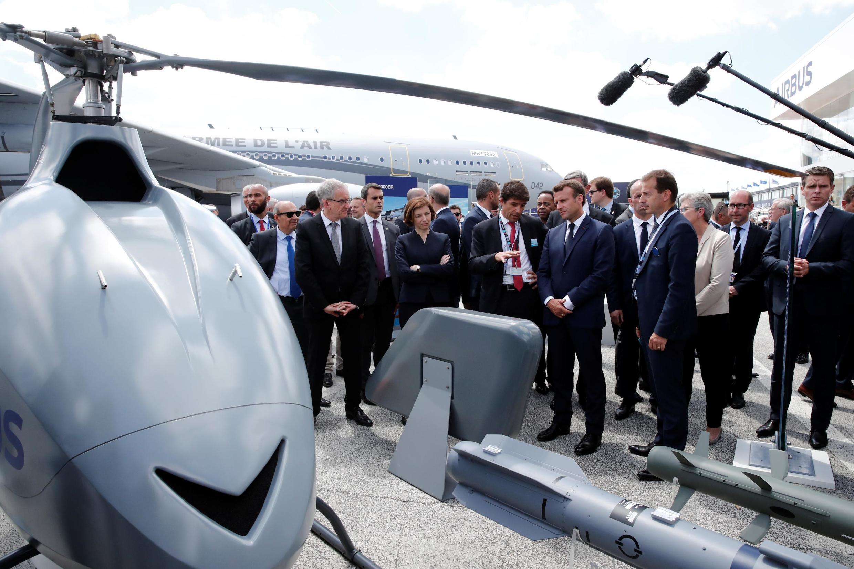 O maior evento aeronáutico do mundo, o Salão Paris Air Show, realizado no aeroporto Le Bourget, foi inaugurado nesta segunda-feira pelo presidente Emmanuel Macron.