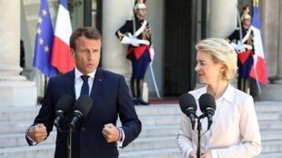 Le président français Emmanuel Macron et la présidente élue de la Commission européenne Ursula von der Leyen, le 23 juillet à l'Élysée.