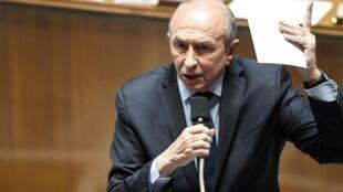 Проект закона об иммиграции и убежище министра внутренних дел Жерара Коллона не вызывает во Франции единодушия