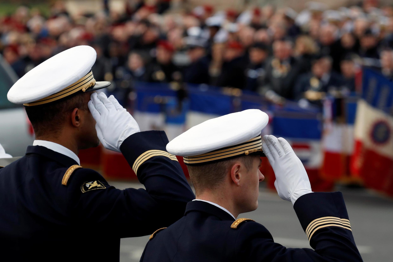 Homenagem em Paris aos 13 militares franceses mortos no Mali