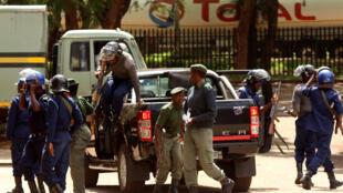 Au Zimbabwe, les arrestations se poursuivent après la grève nationale de la semaine dernière.