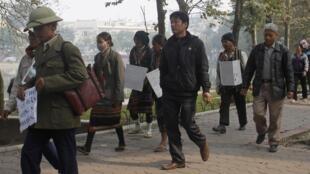Đất đai luôn là nguyên nhân gây khiếu kiện nhiều nhất tại Việt Nam. Trong ảnh là một cuộc biểu tình của các nông dân tại Hà Nội ngày 21/02/2012 phản đối chính quyền trưng thu đất.
