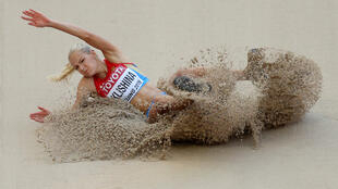 A saltadora russa Darya Klishina em imagem de arquivo, durante o campeonato mundial em Pequim, na China, em 2015.
