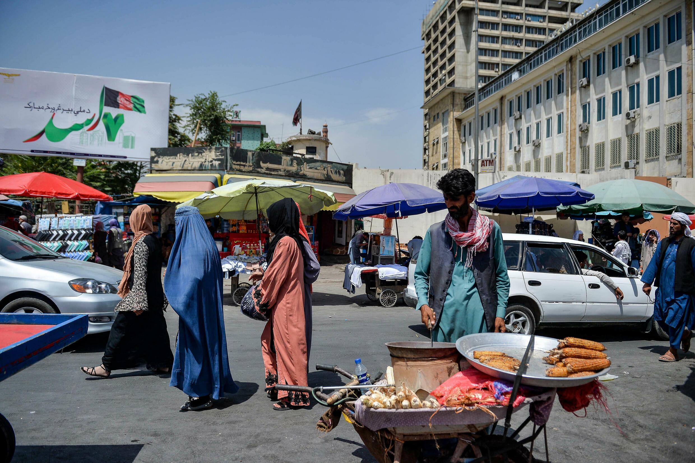 Una zona de mercado en Kabul, Afganistán, el 23 de agosto de 2021