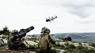 Tir d'éssai du MMP, le Missile français « portable » de Moyenne Portée.