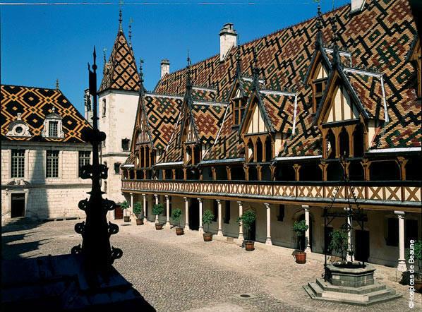 L'Hôtel Dieu à Beaune, l'ancien hôpital est devenu un musée.