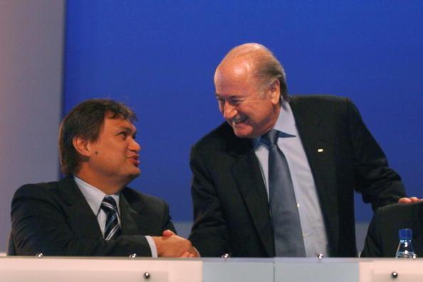 Reynald Temarii et Sepp Blatter
