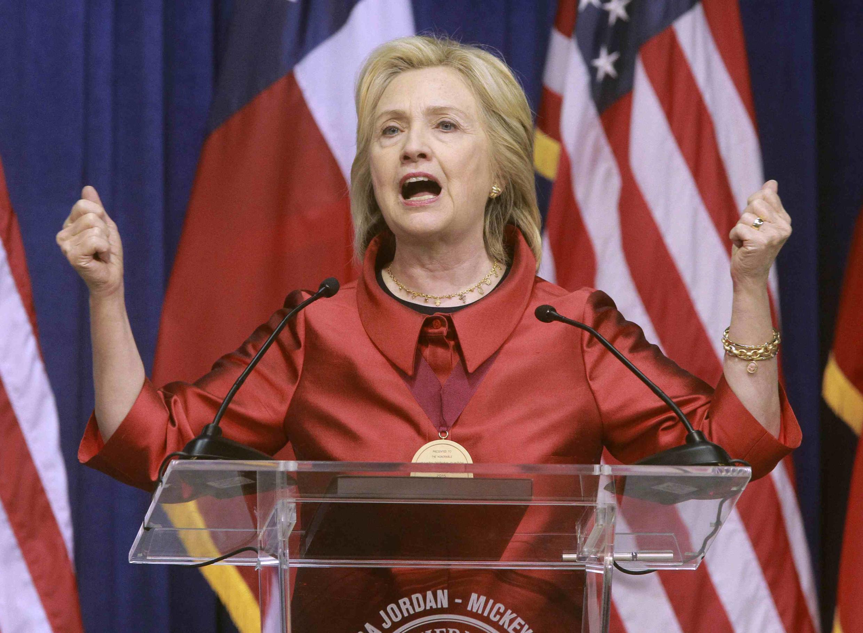 A pré-candidata à Presidência dos Estados Unidos, Hillary Clinton, faz seu primeiro comíssio amanhã (13) em Nova York.