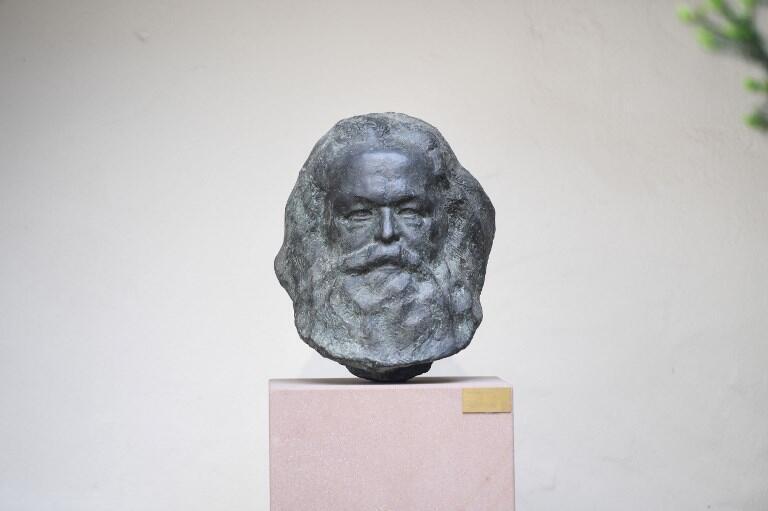 Бюст Карла Маркса в Трире
