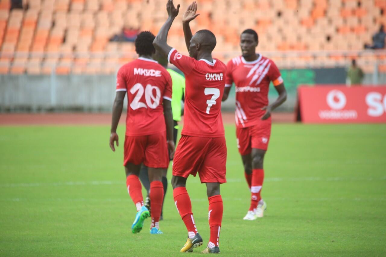 Wachezaji wa SImba wakisherehekea ushindi wa bao 1-0 dhidi ya Yanga katika mchuano muhimu wa taji kuu Tanzania bara