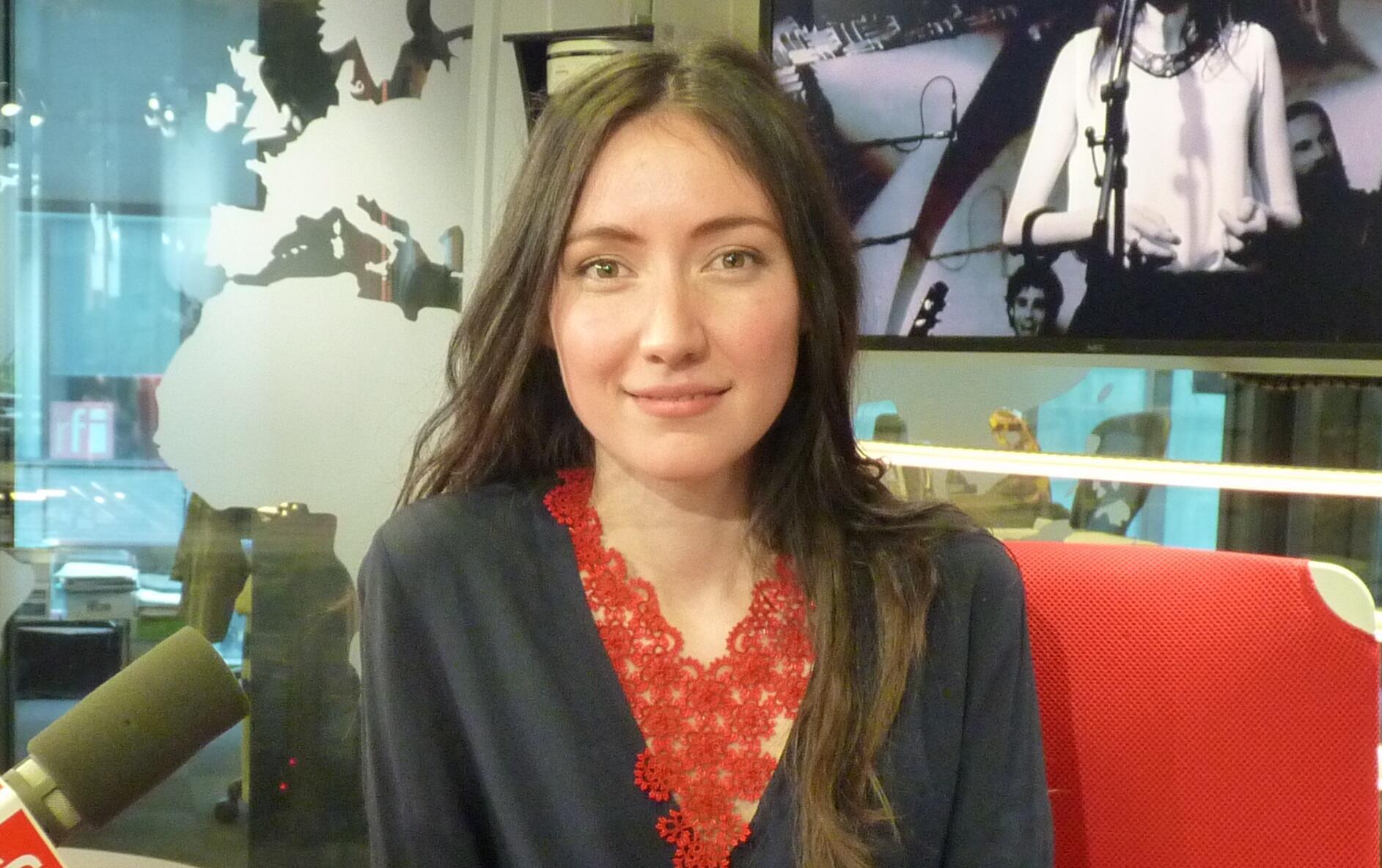 Carolina Catún en los estudios de RFI