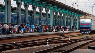 Донецкий железнодорожный вокзал, архивное фото