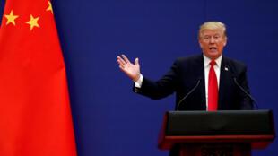 Ảnh tư liệu: Tổng thống Mỹ Donald Trump phát biểu nhân cuộc tiếp xúc với giới doanh nhân tại Bắc Kinh ngày 09/09/2017.