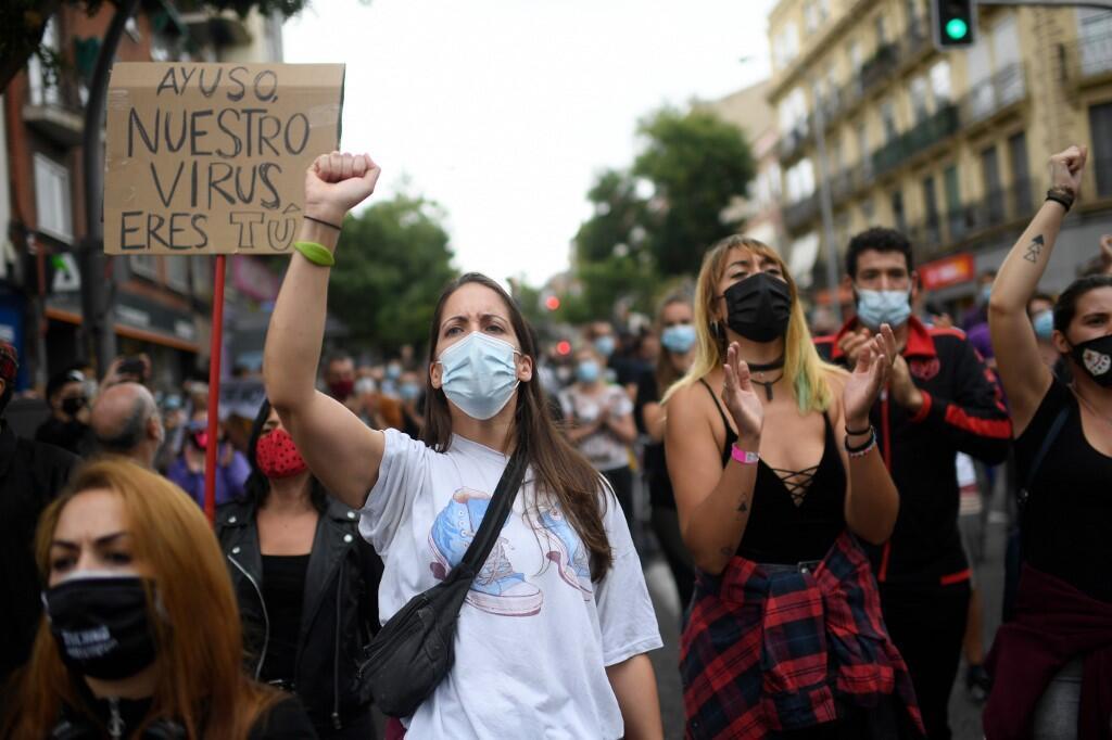 2020-09-20 spain madrid protest coronavirus covid-19 lockdown poor neighbourhood Vallecas