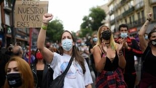 2020-09-20 spain madrid protest coronavirus covid-19 lockdown poor neighbourhood Vallecas