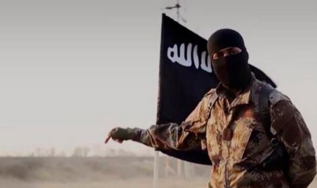 گروه داعش سر یک تن از گروگانهای خود را از بدن جدا کرد. او از دهها تنی بود که داعش در ماه گذشته در طی حمله ای خونین به سویدا در سوریه ربوده و به گروگان گرفته بود. - تصویر آرشیوی