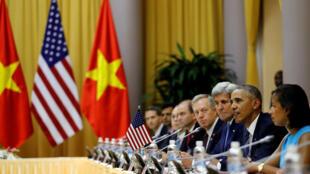 Tổng thống Obama trong cuộc hội đàm với chủ tịch nước Việt Nam Trần Đại Quang, ngày 23/05/2016, tại Hà Nội.