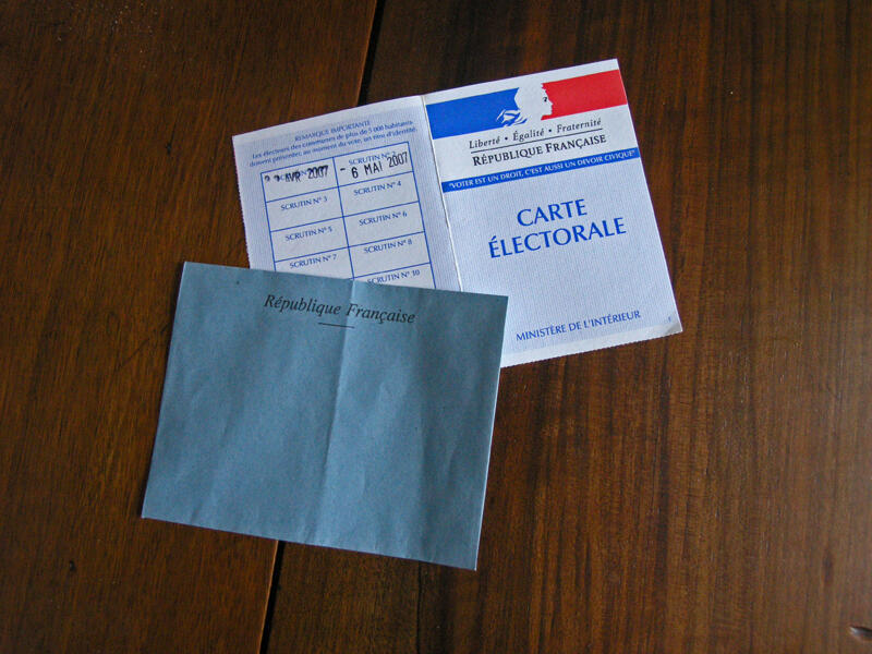 Imprensa francesa desta quinta-feira destaca o debate no Senado sobre o direito de voto aos estrangeiros.
