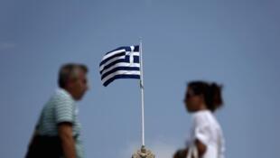 Devant le Parlement, à Athènes, le 13 août 2012.