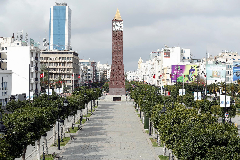 L'avenue Bourguiba à Tunis déserte, le 22 mars 2020 alors que le pays était en confinement général pour lutter contre la propagation du coronavirus.