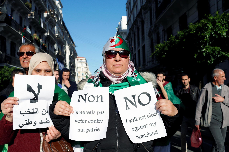 Des manifestantes dans les rues d'Alger le 6 décembre 2019.