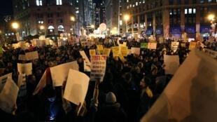 Manifestation pour réclamer des réformes après la mort d'Eric Garner, à New York, aux Etats-Unis, le 4 décembre 2014.
