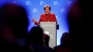 Shugabar gwamnatin Jamus Angela Merkel a jawabanta bayan murabus ta bukaci jajircewa duk wadda za ta gaje ta don kare manufofin jam'iyyar ta CDU.