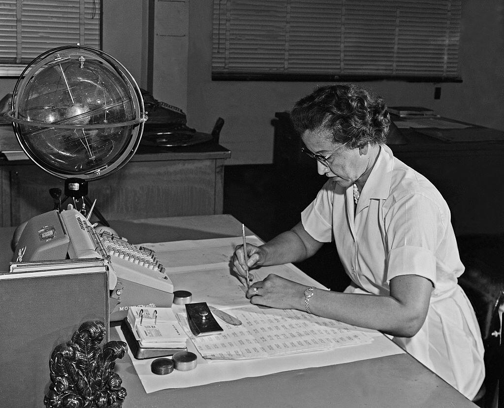 Katherine Johnson at her desk in 1962, in Hampton, Virginia, USA.